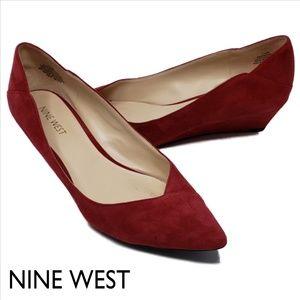 NINE WEST Edwick Suede Wedge Pointed Toe Heel 7.5M